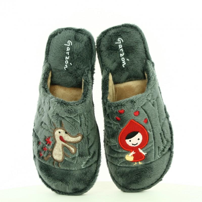 Zapatillas casa garzon caperucita y el lobo blog querol - Zapatillas para casa ...