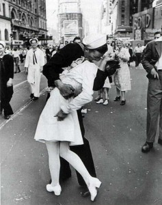 beso fin II guerra mundial