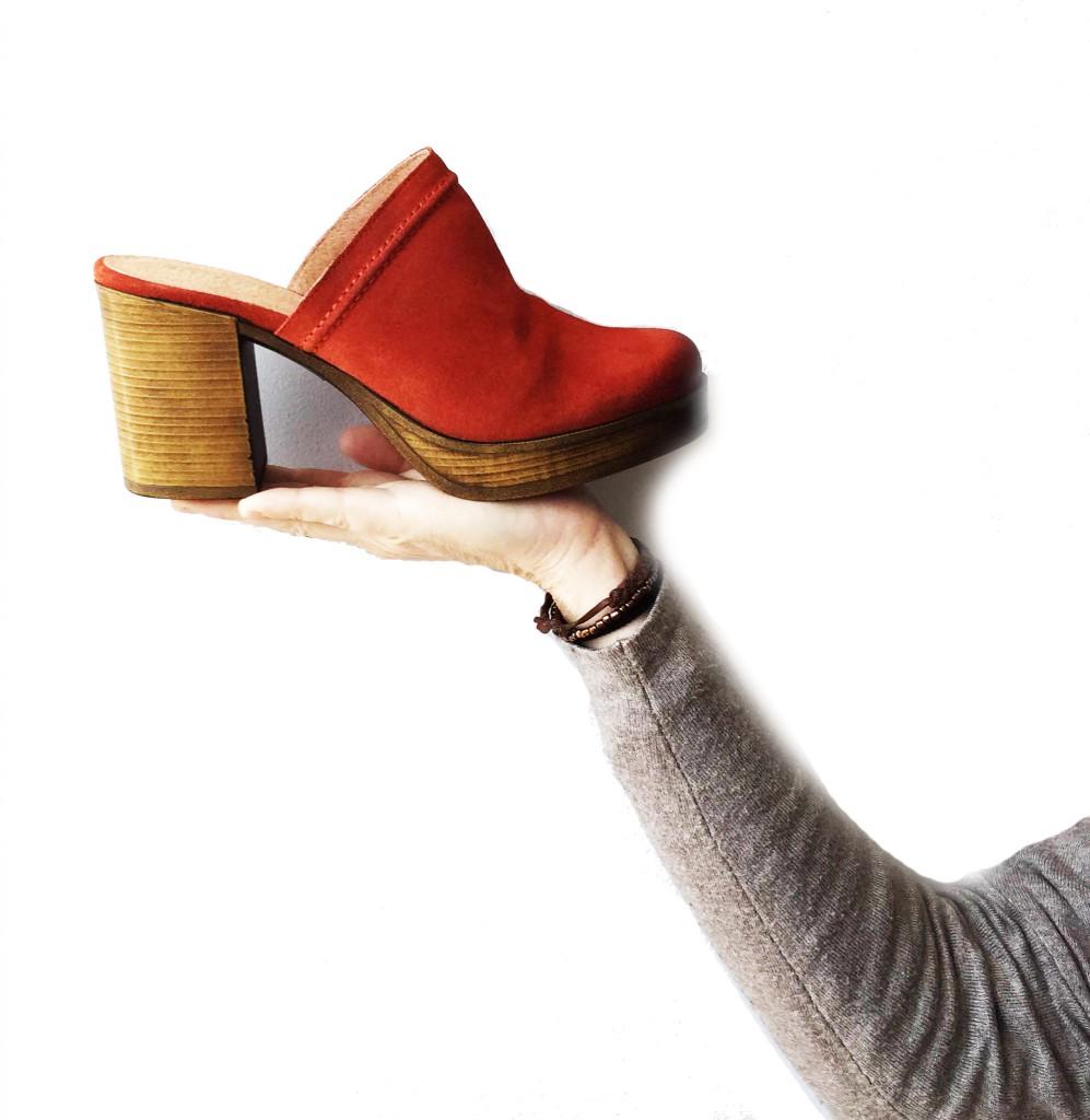 zapatos de primavera zuecos de ante rojo - querol online
