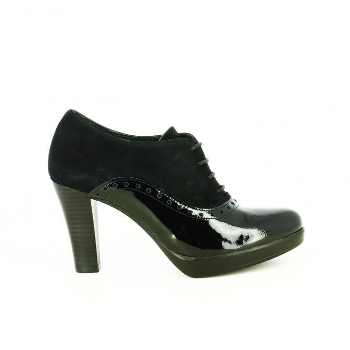 d73a591396c zapatos-tacon-patricia-miller-oxford-negros-de-piel