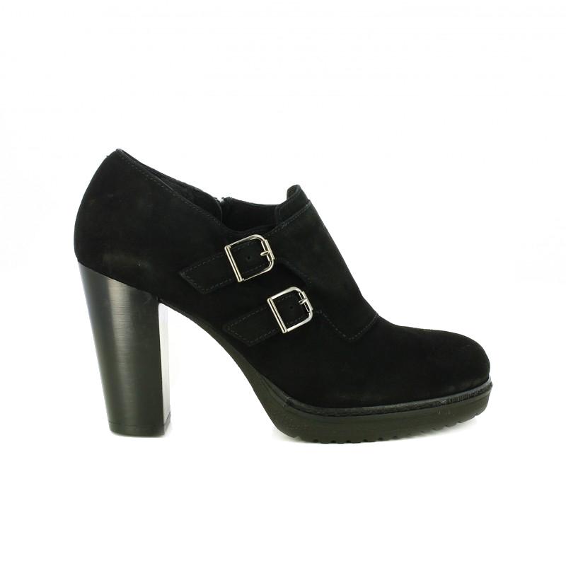 zapatos tacon alpe negros de piel con hebillas