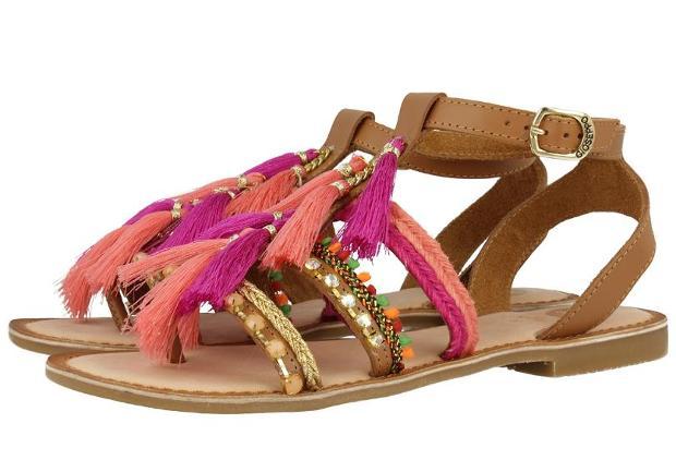 sandalias boho chic marrones y rosas - tendencias en calzado para 2017