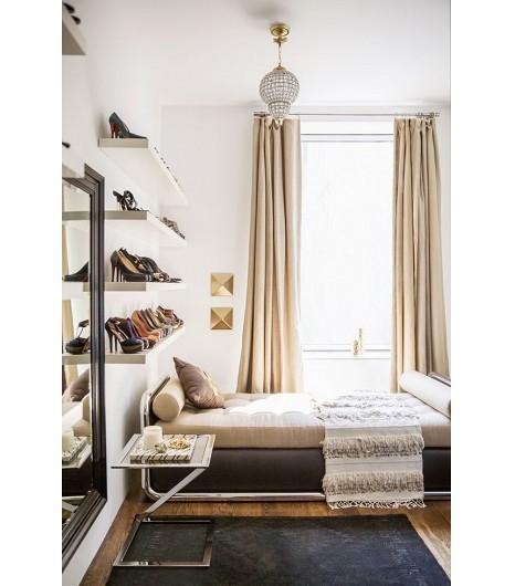 zapatero en la pared con estanterías - cómo organizar zapatos
