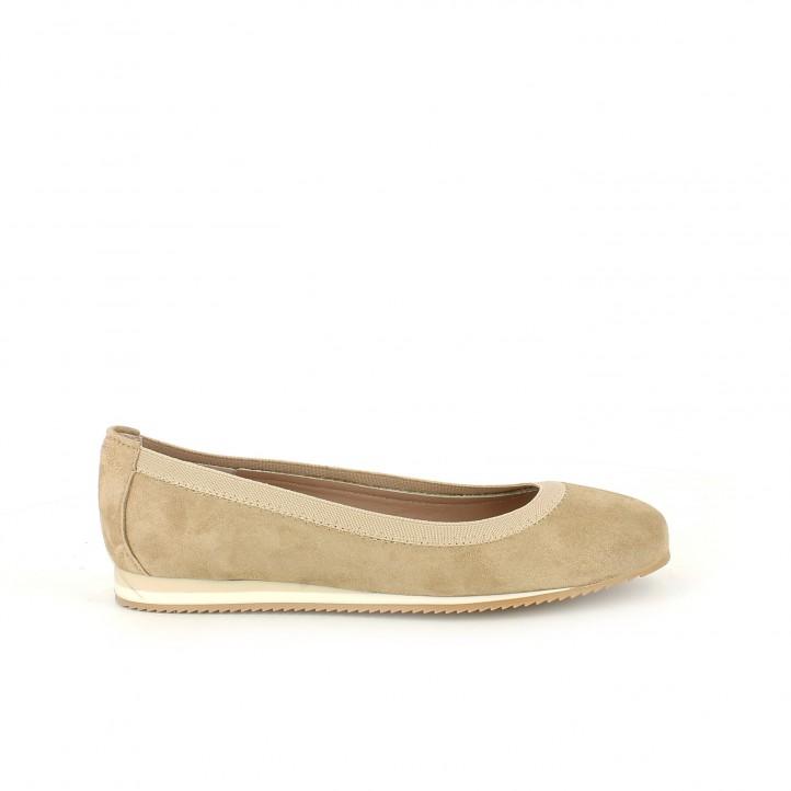 diccionario de zapatos: bailarinas redlove marrones de piel con goma