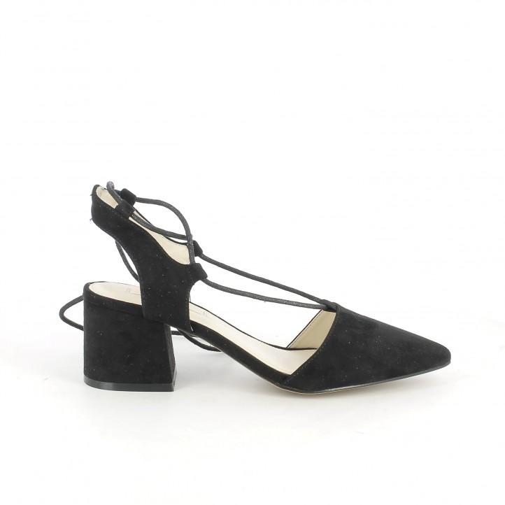 zapatos tacon chika10 negros abiertos con cordones