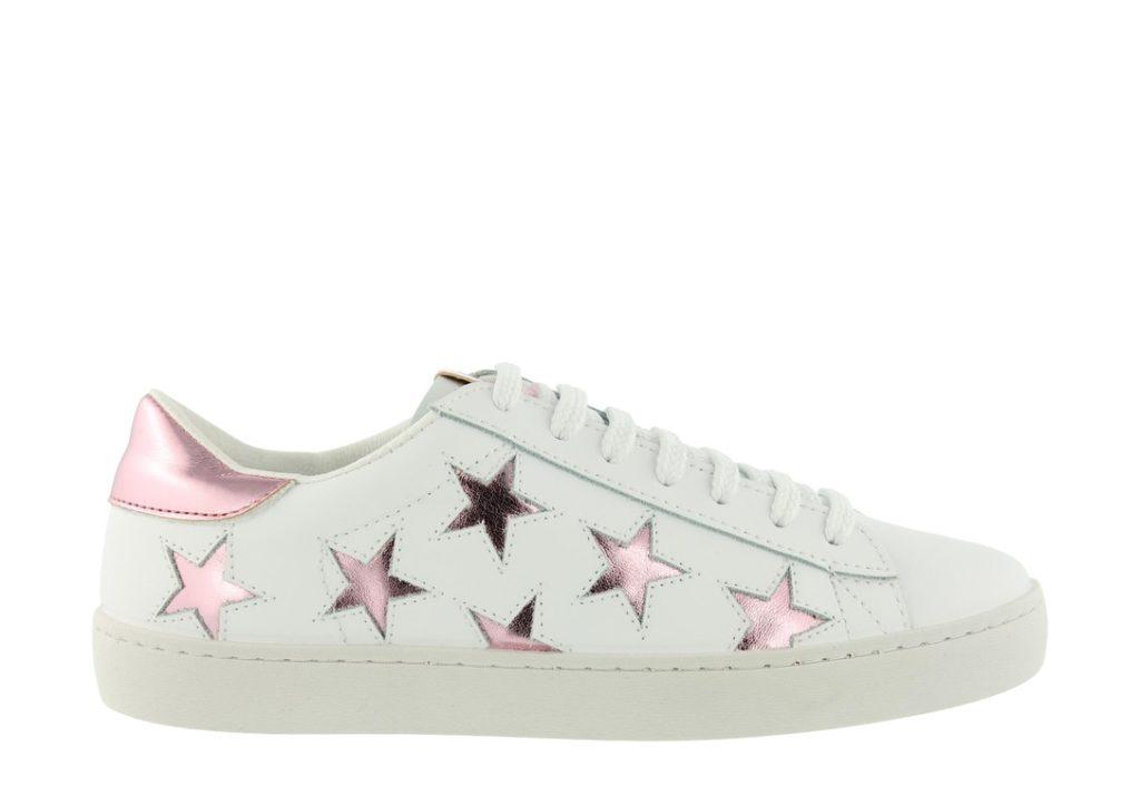 deportivas blancas con estrellas, tendencias en calzado 2018