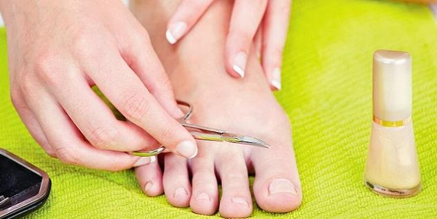 cortar uñas pies