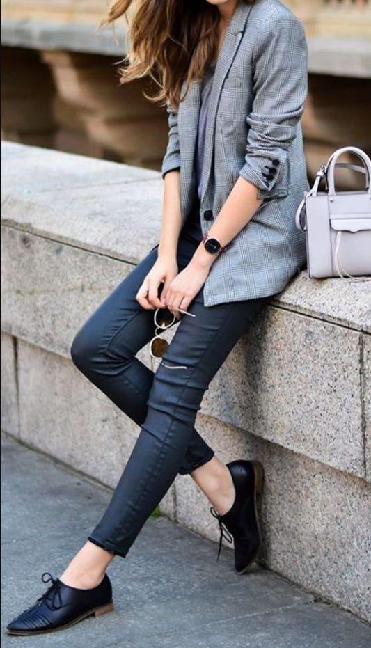 look elegante con zapatos oxford